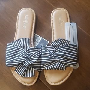 💜NWT West Loop Womens Sandals